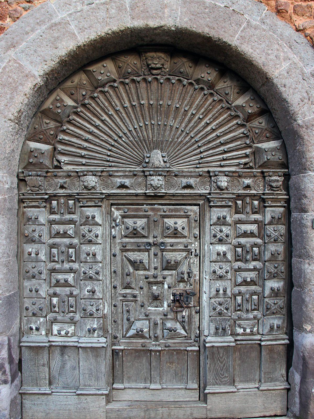 Archdeacon of Barnstaple's Doorway at No 11 Cathedral Close